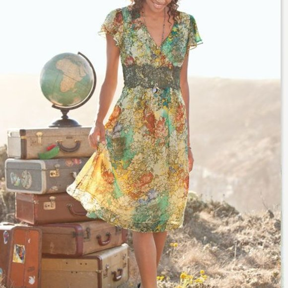 Sundance Dresses & Skirts - Sundance Silk Floral and Lace Dress